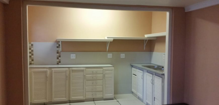 Bachelor flat Paarl Central